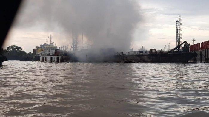 Polisi Belum Bisa Olah TKP Kebakaran Kapal di Samarinda